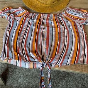 Stripped front tie top